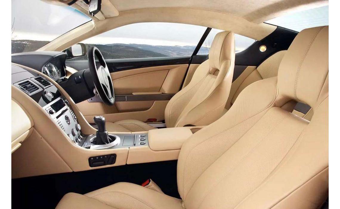 Как ухаживать за автомобильной экокожей: особенности правильного ухода