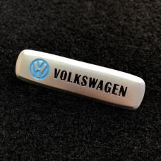 Шильдик для автоковриков volkswagen матовый цветной